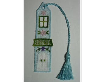 Bookmark blue cottage lace with passementerie tassel