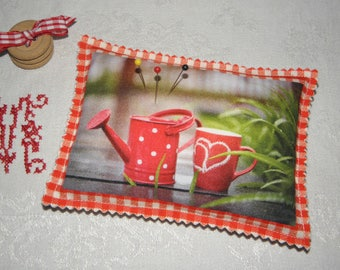 Pincushion pattern watering can and Cup ref.1389 cushion