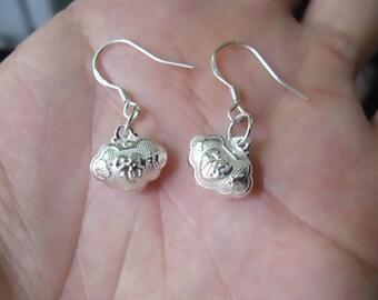 Lucky FU 990 Silver earrings