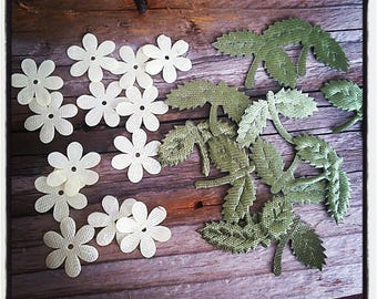 Set of 12 off-white flowers and green fabric leaves for scrapbooking and creations