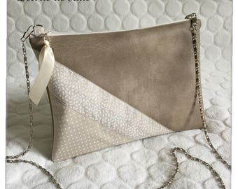 Silver faux leather/clutch/chain clutch / evening bag