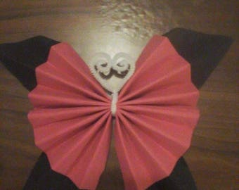 Butterfly shape folding towel Fuchsia and black