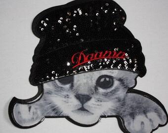 1 kitten Cats bonnet badge