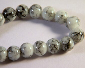 glass 8 mm grey white pale flecked black M1 trefilee 50 beads