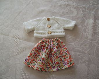 clothes for dolls 32 33 cm, with babies (skirt and vest or sweater) n.: 5