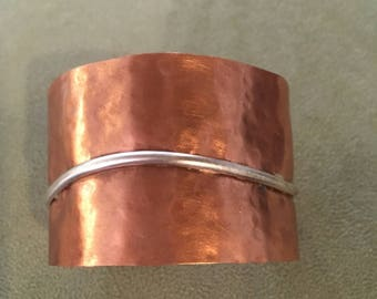 Hammered copper bracelet with silver wire