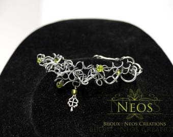 Twisted bracelet, beads and lucky clover