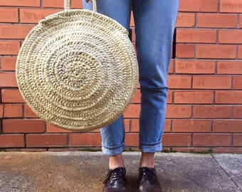 MEDIUM - Handmade round woven straw bag / market basket