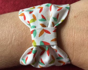 Cotton and snap bow bracelet