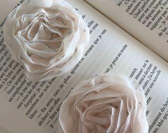 Retro roses fabric white powder