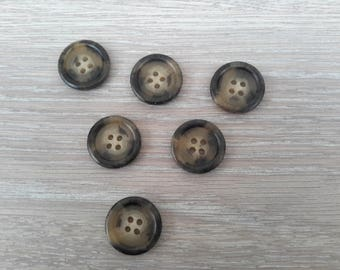Set of 6 round acrylic buttons