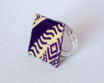Ring in beige and dark purple African fabric square