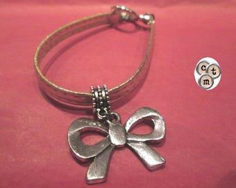"""Mother bracelet, gold charm """"node"""""""