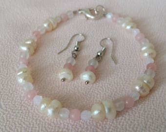 River Pearls & Rose/White Quarts Earings and Braclet. Sterling Silver Plated.