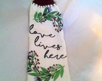 Hand Towel - Love Lives Here