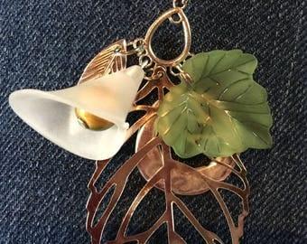Spring pendant on matching choker