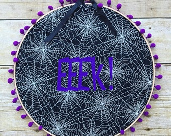 EEK! Embroidery hoop wall hanging