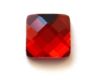 Set of 7 (19x19mm) Red faceted glass cabochons