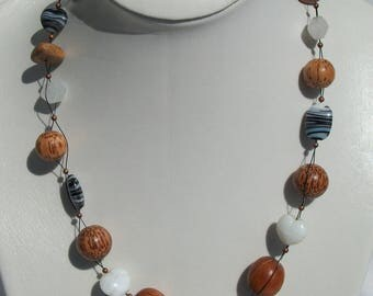 CL.0229 large necklace beads wood and glass