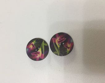 Wood set of two buttons