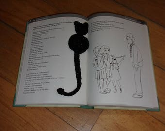 Crochet bookmark black cat