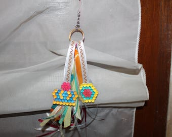Keychain with beaded Crown and Hexagon patterns figurine