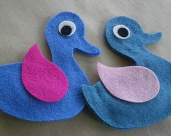 Set of 2 ducks in felt, fuchsia and turquoise blue pink