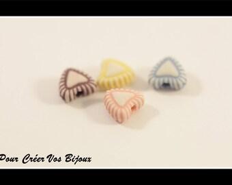 Set of 100 7x8mm heart shaped acrylic beads