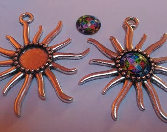 Set of 2 charms style antique Sun