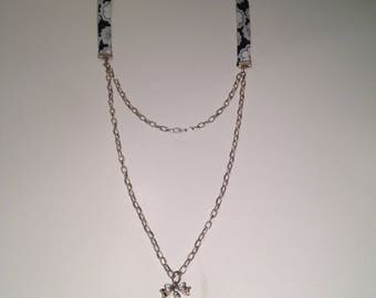 Liberty black & white necklace with silver metal chain