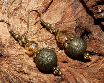 Earrings style Victorian bronze and gold color