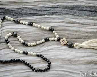 """Necklace style Mala """"Bhasundara"""" ivory and black"""