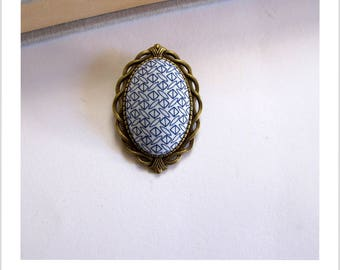 "Brooch vintage Blue Diamond ""skewer me"" fabric"