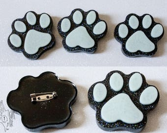 Kawaii cat paws pin