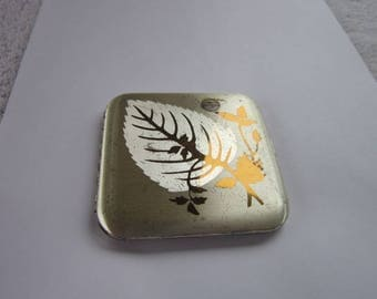 Vintage Pilcher Mirrored Make Up Powder Compact