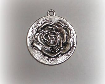 Pink circle antique silver pendant
