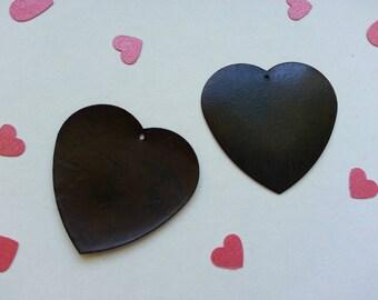 Antique pierced hearts. 4 set of 2 cm.