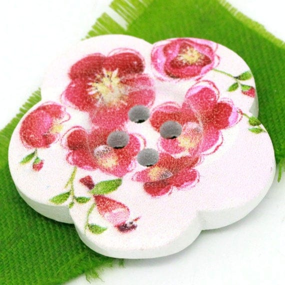 BBFL27105 - 2 flower 27 mm wooden buttons