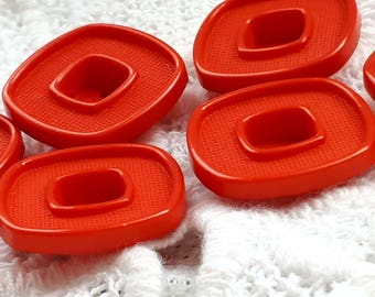 set of 9 buttons 2 holes red 17 mm vintage