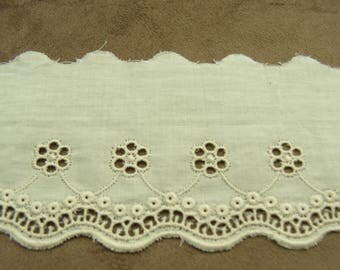 Embroidery anglaise ecru 6 cm