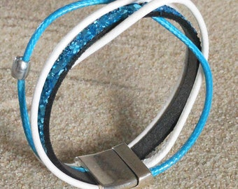 Bracelet leather and cord on silver plated clasp