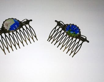 2 Hair Combs - vintage - cabochons 'flowers'