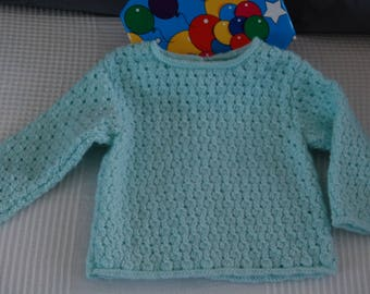 Sweater for baby (6 months) closing in the back