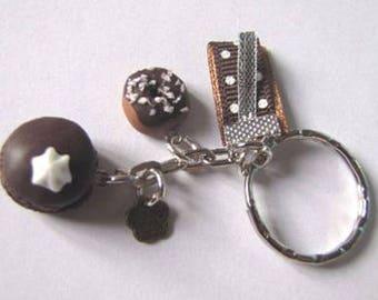 Fimo chocolate donut and macaroon keychain