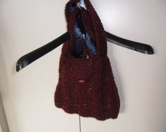 Knitted wool red purse