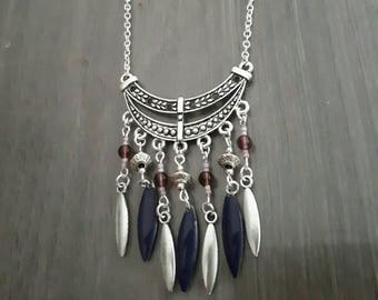 Necklace color silver and purple