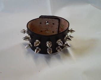 Nails black leather bracelet