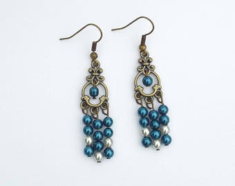 These handmade earrings blue and Pearly beads