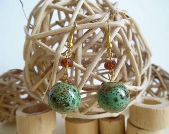 Earrings dangling dorė and green