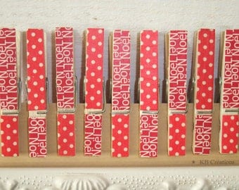 9 clips decorated linen (No. 27) Christmas red white dots